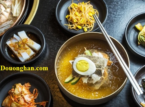 mỳ lạnh naengmyeon